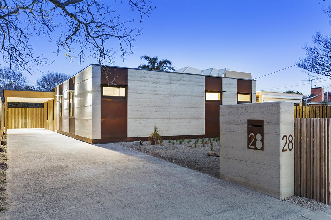 Rammed earth houses rammed earth walls the home of for Rammed earth home designs