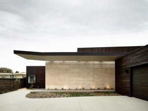 Olnee Rammed Earth Home of the Year