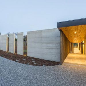 Sorrento rammed earth house